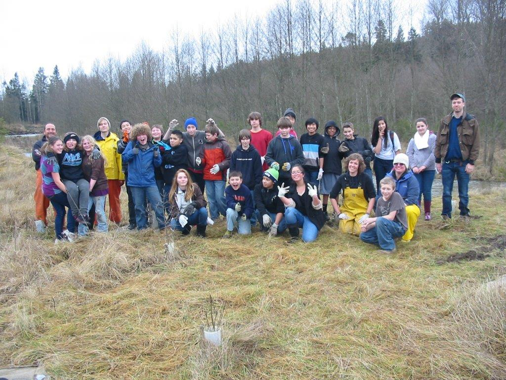 Nisqually MS students tossed 200+ Chinook carcasses!